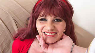 Look At This Naughty Mature Lady As She Sucks Your Cock - MatureNL