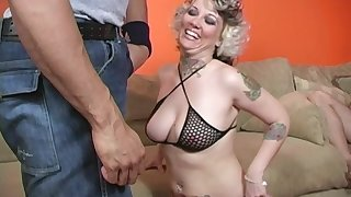 Cuckold adhering Confectionery Monroe getting immutable pounded by a disgraceful dude