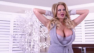 Powered babe Kelly Madison cannot wait to suck on a big unearth