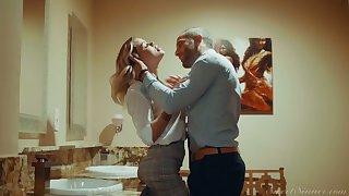 Blond hottie Jessa Rhodes is having crazy quickie with her BF in the bathroom
