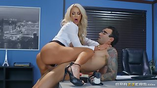 Nicolette Shea gets her pussy banged by a dude on the table