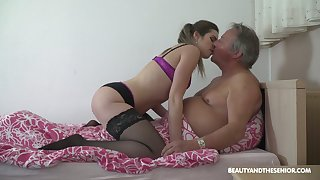 Ordinary looking fresh slut Sarah Smith provides older client with a BJ