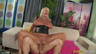 Heavy Tits GILF Mandi McGraw Gets Pounded